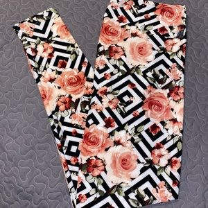 Lularoe TC black white diamond pink rose leggings